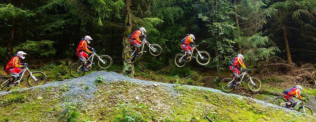 Chris Schmale im Bikepark Hahnenklee Sportfotografie Peter Vogel, Hamburg